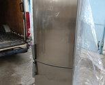 Продавам иноксов хладилник с фризер 3 рафта марка Whirlpool внос от германия клас А ,размери185/60/6