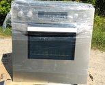 Продавам Зануси - иноксова печка за вграждане от новия модел в комплект с керамичен плот четворка