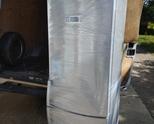 Продавам хладилник с фризер 3 рафта марка Whirlpool внос от германия