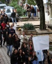 Учениците на бунт: Не на матурите!