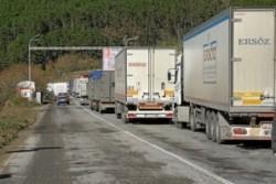 Не пропускат камиони през границите за Гърция