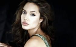 Бременността на Джоли почти потвърдена