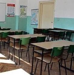 Общинските училища имат задължения за ток от декември