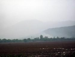 Градското сметище пак гори. Неприятната миризма се усеща в Ботевград и близките села