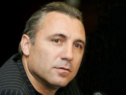 Христо Стоичков  нападна български фоторепортер в Барселона. Потърпевшият е съпруг на Агнес Методиева от Ботевград