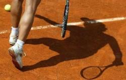 Българка вдигна купата на тенис турнир за девойки в Испания