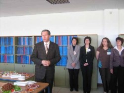 Работодатели поздравиха служителите от Бюро по труда - Ботевград