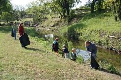 Кметът  и администрацията на Правец днес почистват парка в Осиковица