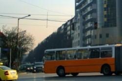 Автобус затисна и уби шофьора си