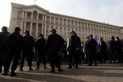 Шествието на кремиковските работници тръгна към МИЕ