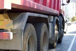 Откраднаха два тежкотоварни автомобила от бетонов център