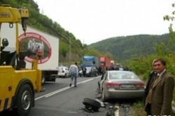 Катастрофа блокира движението по главен път Е-79, няма жертви