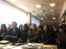 Ученици присъстваха на Урок по родолюбие в градската библиотека