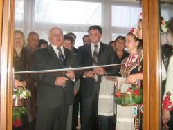 "Откриха новата зала за песни, танци и спорт в детска градина ""Славейче"""
