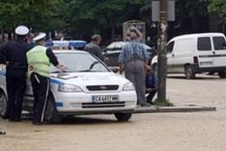 Арестуваха полицай за изнудване