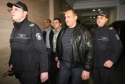 Съдът остави Галев в ареста
