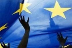 """Училище """"Европа"""" организира благотворителен базар на коледни и новогодишни картички"""