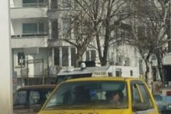 Запечатват метан-станции, такситата в криза