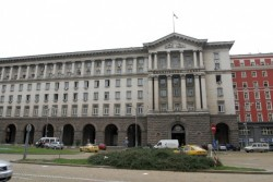 Общинските съвети ще утвърждават разходите за заплати както на делегираните от държавата, така и на местни дейности