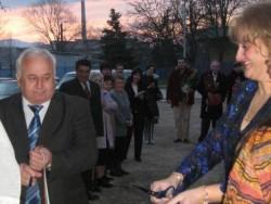 """Кметът Георгиев и Камелия Ценева прерязаха лентата на комплекс """"Камелиите"""""""
