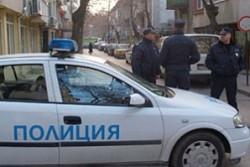 Столични полицаи намериха застрелян мъж в дома му