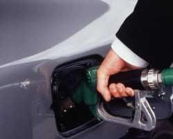 Подозират 16 фирми в незаконни дейности с горива