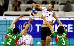България би и Чехия, става първа в групата