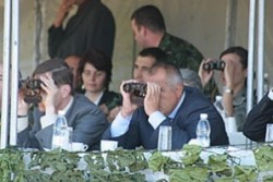 Борисов: Няма да позволим армията ни да отслабне