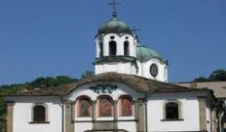 Вандали посегнаха и на манастир край В. Търново