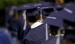 Студентите, които не са платили кувертите си, да изискват фискален бон, съветват от НАП