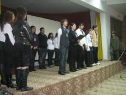 Ученици разказаха историите на три паметника в Ботевград