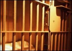 Задържаха криминално проявен за побой и грабеж в Ботевград
