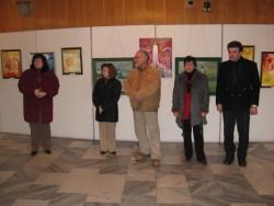 Местни художници подредиха изложба в Мездра