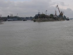Нивото на Дунав се покачи, критична е обстановката в Брегово