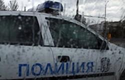 Арестуваха 4 полицаи да крадат по време на смяна