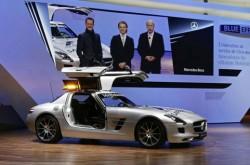 Шумахер и Розберг представиха SLS AMG F1 в Женева