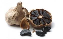Черен чесън – същият вкус, но без лош дъх