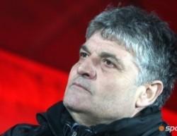 Фенове на ЦСКА набиха Йон Андоне и Светльо Петров