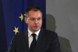 Станишев: Правителството работи на газ-спирачки