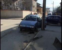 """Катастрофа на ул. """"Хаджи Димитър"""". Един човек пострада"""