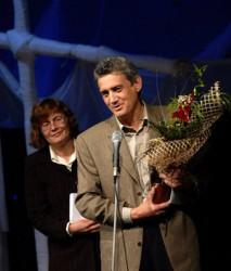 Писателят Тома Бинчев ще гостува на по-малките ученици от Ботевград
