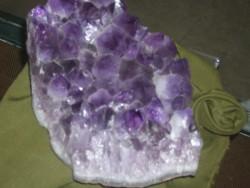 Голям интерес към изложбата на минерали в Правец