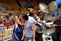 Гърци и сърби се биха в прятелски баскетболен мач