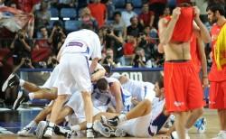Сърбия е първият полуфиналист!