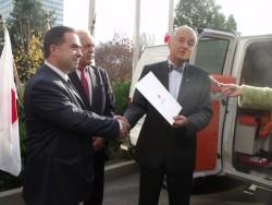Българският червен кръст дари линейка на болницата в Етрополе