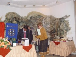 Ротари клуб направи дарение на училищата в Ботевград