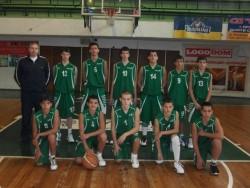 Момчетата смачкаха на баскет Своге и Самоков