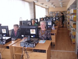 Общинската библиотека стартира първия курс по компютърна грамотност за възрастова група 60+