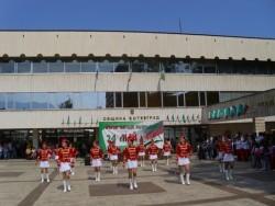 Кметът Георгиев награди учители и културни дейци от община Ботевград