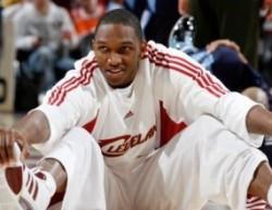 Център от НБА идва на проби в националния отбор